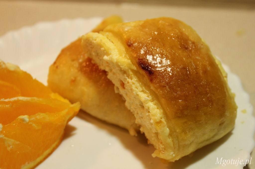 Bułeczki z serem i skórką pomarańczową