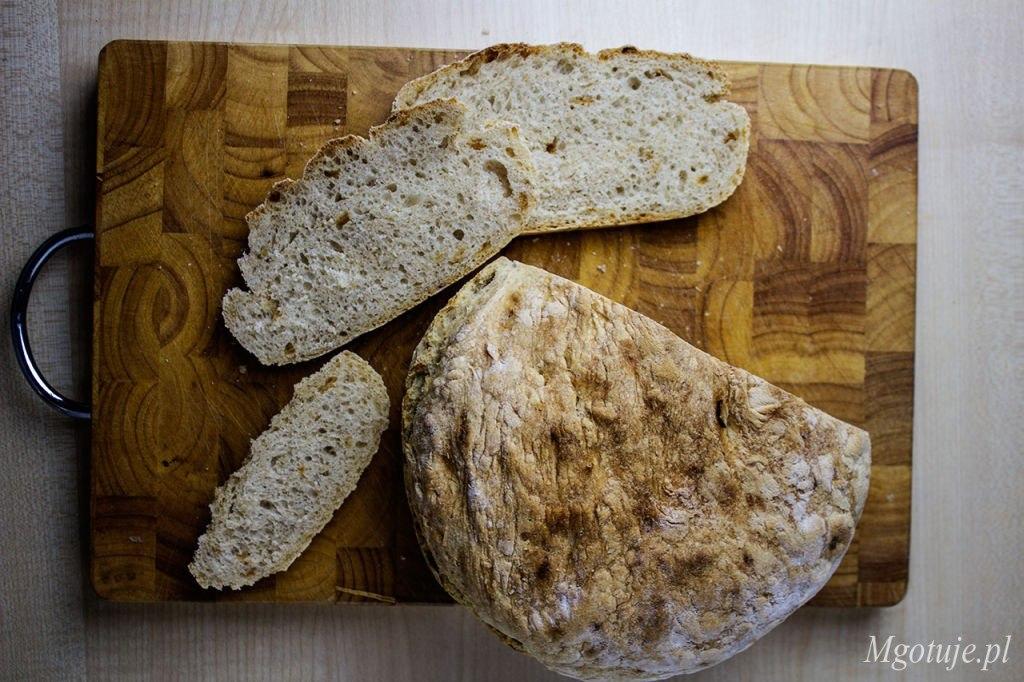 Chleb pszenno - orkiszowy okrągły